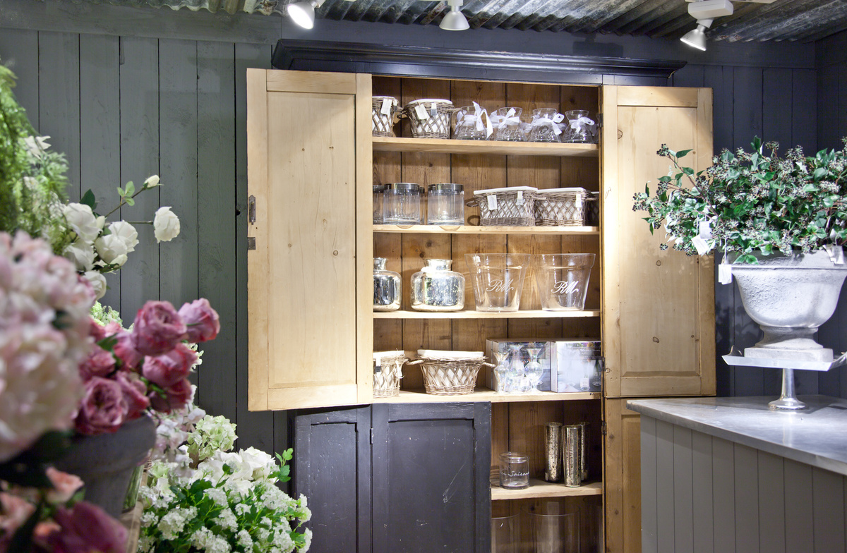 country shop with home goods and flowers